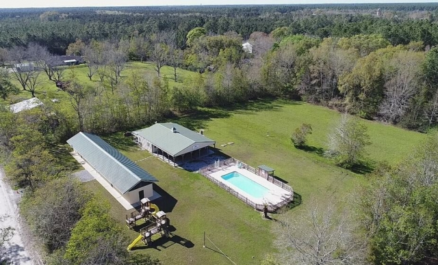 Bay Hide Away Amenities aerial view